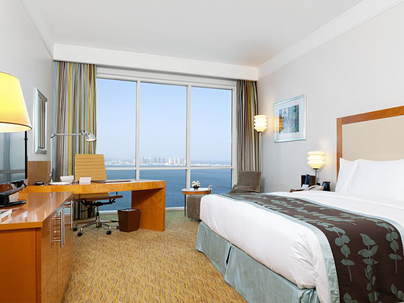 Deluxe King Room with Sea View (4)