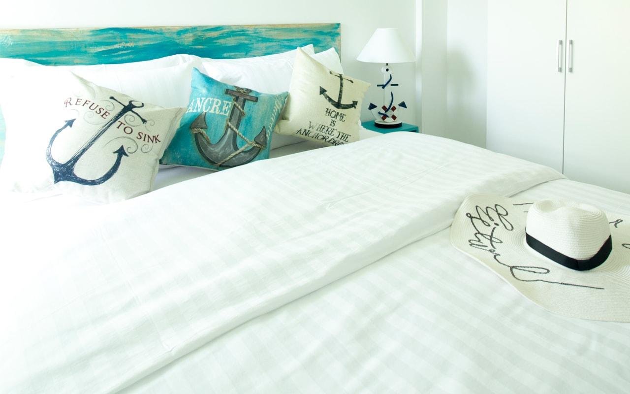 Deluxe Room Bed-min