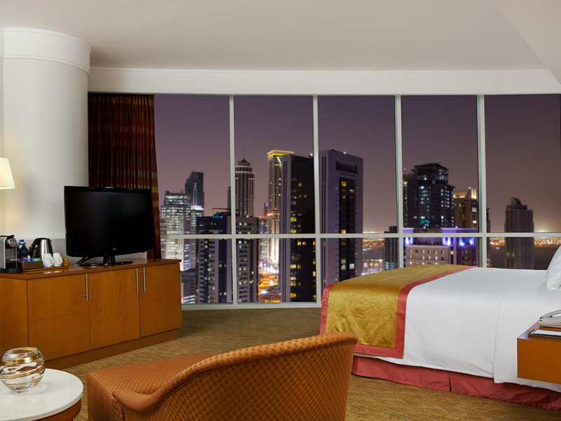 Executive King Room with Executive Lounge Access (2)