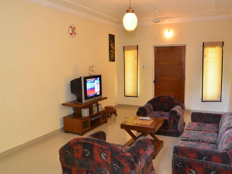 Room 3 Lounge Room-min