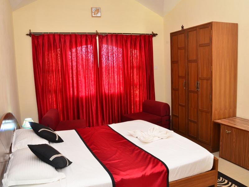 Room 5 Same Bedroom with wardrobe-min