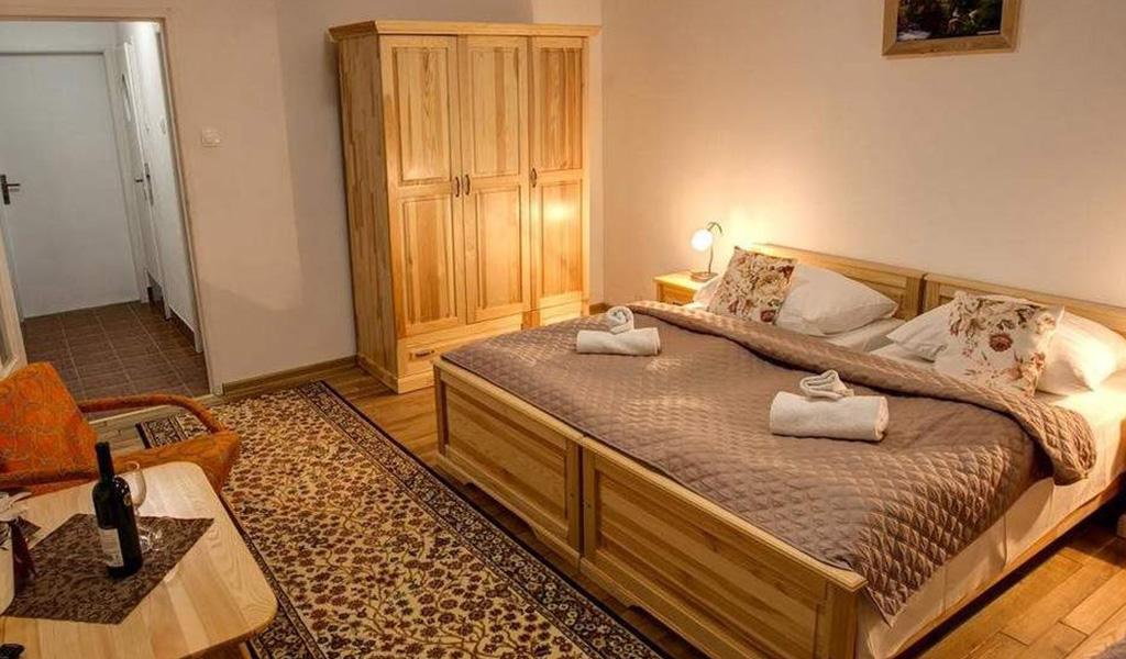 Triple Room2