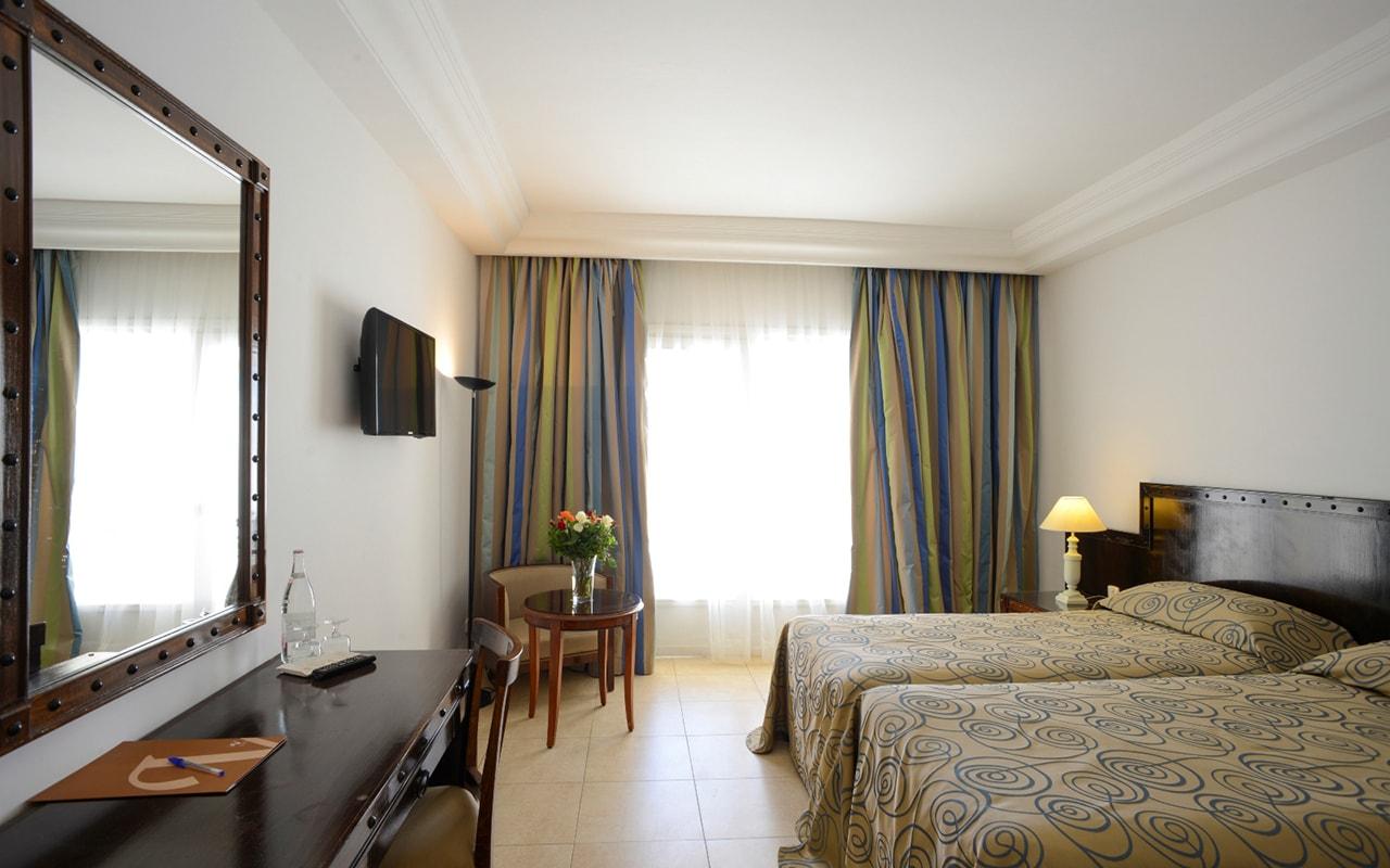 Standard Room_05-min