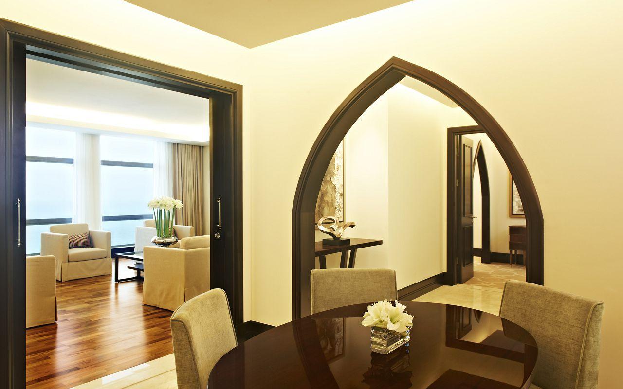 Empire Suite- Dining Area-min