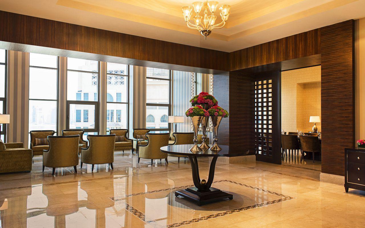 Presidential Suite Foyer-min