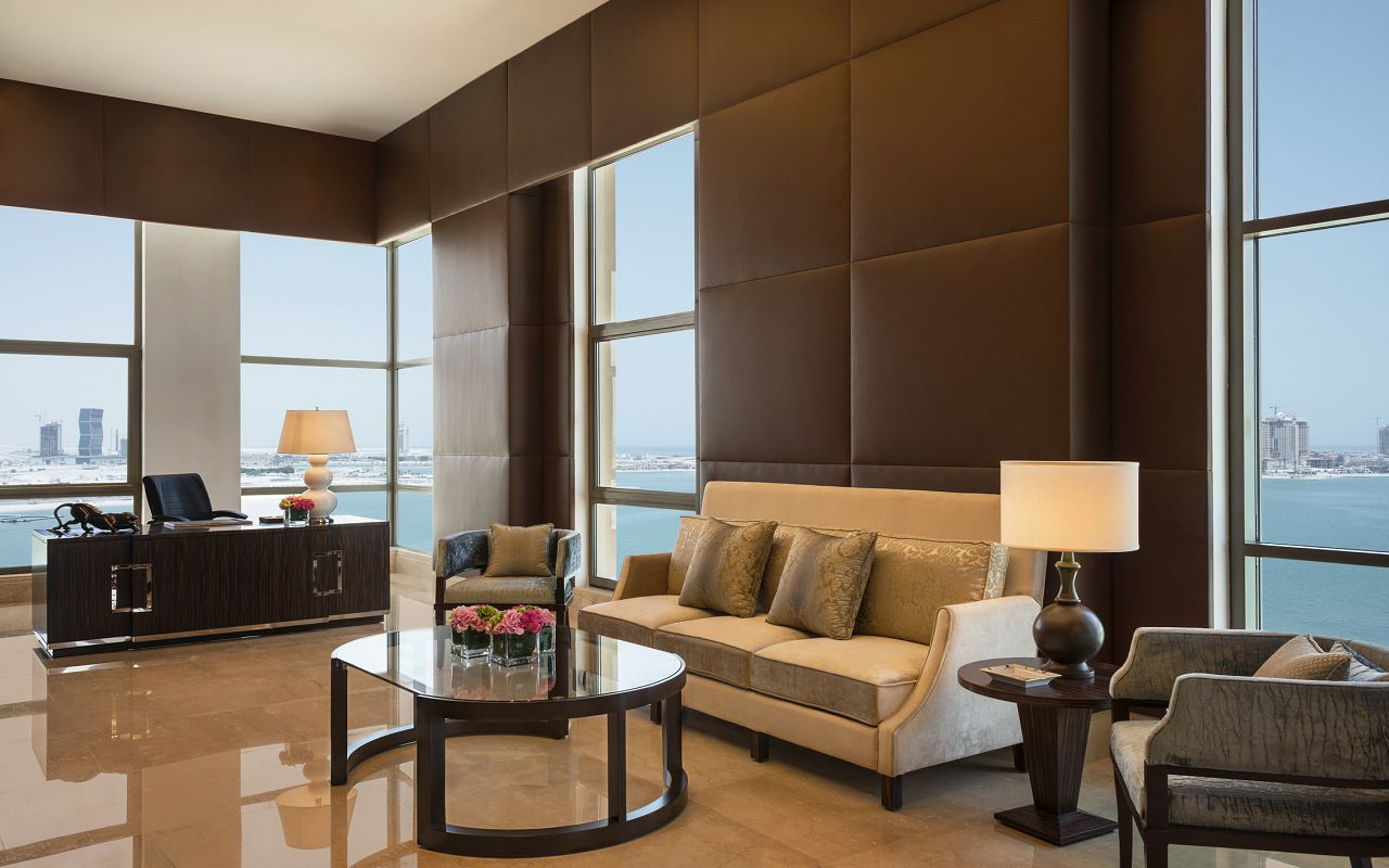 The Presidential Suite- The Study-min