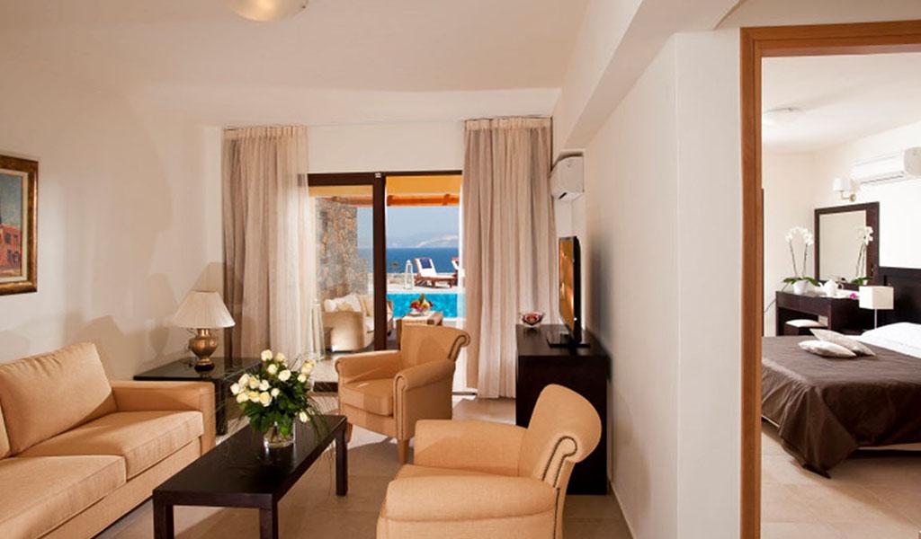 rooms_76948391_suite_one_bd_sv_pool5