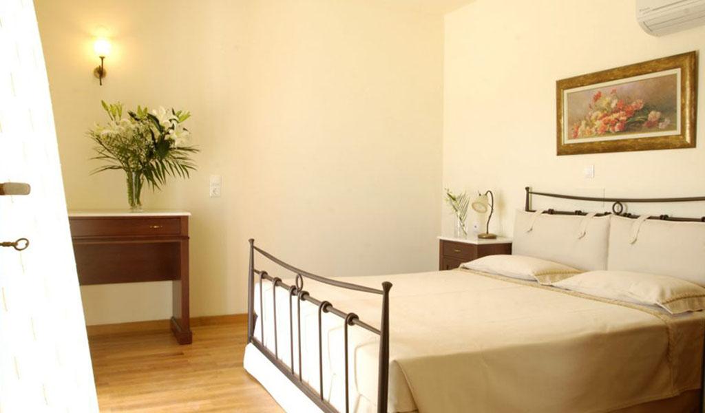 rooms_76949722_64-VILLAS-BEDROOM1-1024x576