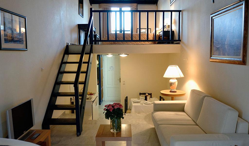 rooms_76949723_FAMILY ROOM 1 SSV or SV