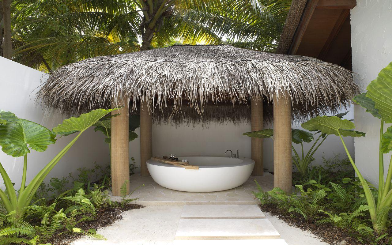 BEACH SUNRISE VILLA BATHROOM