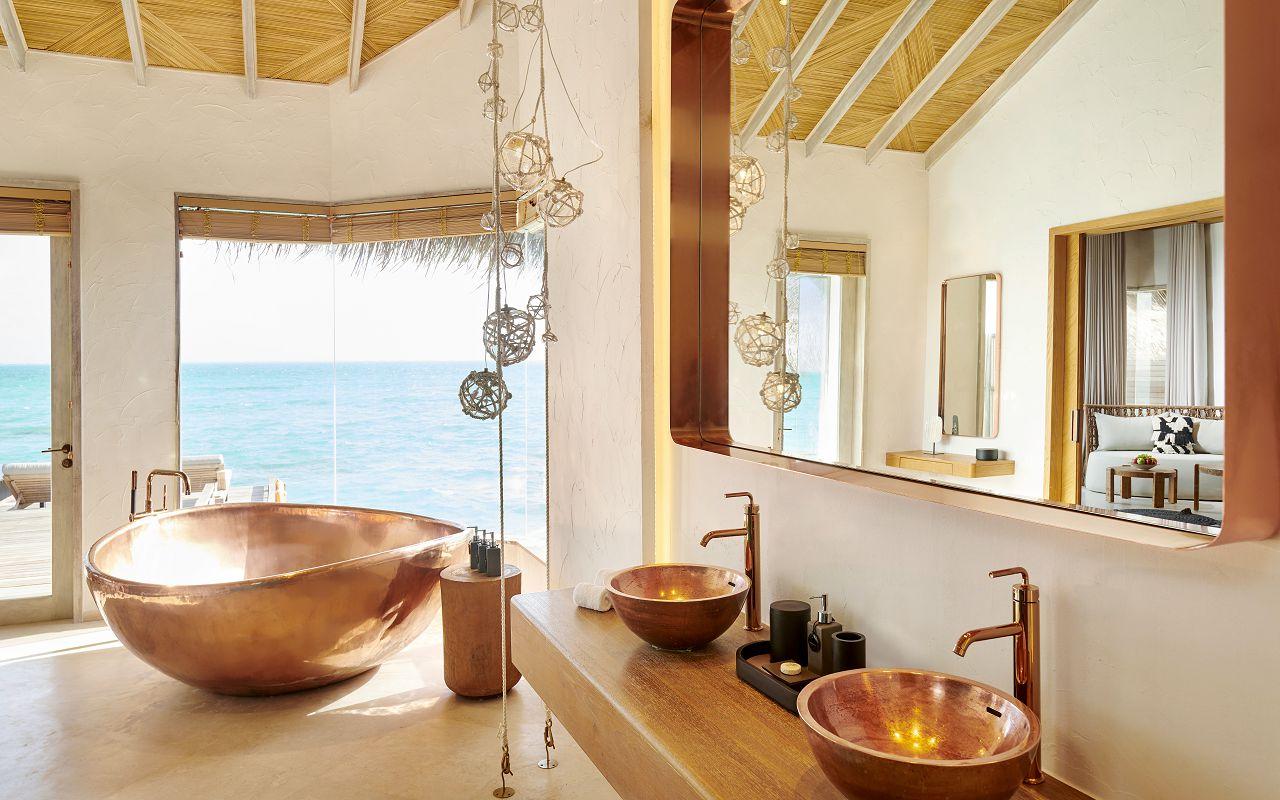TWO BEDROOM WATER SUNRISE VILLA BATHROOM