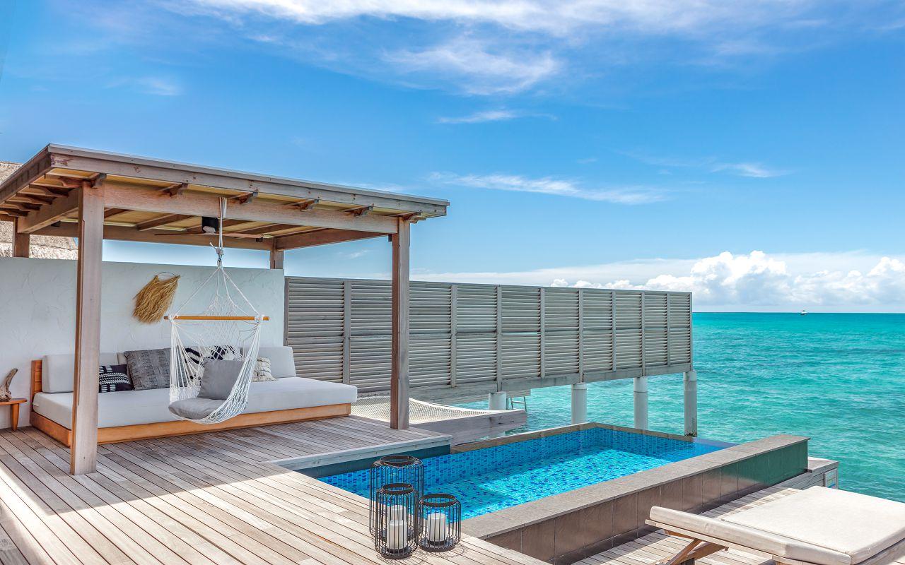 TWO BEDROOM WATER SUNSET VILLA POOL & DECK.4