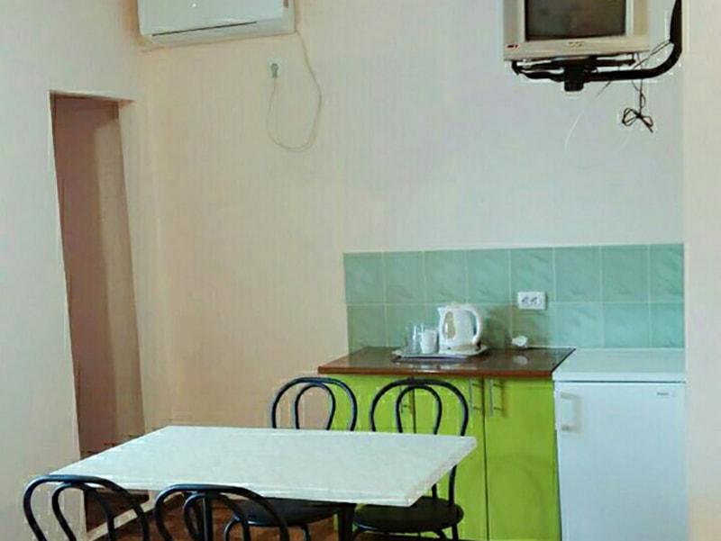 Четырехместный 1-комнатный люкс (3)-min