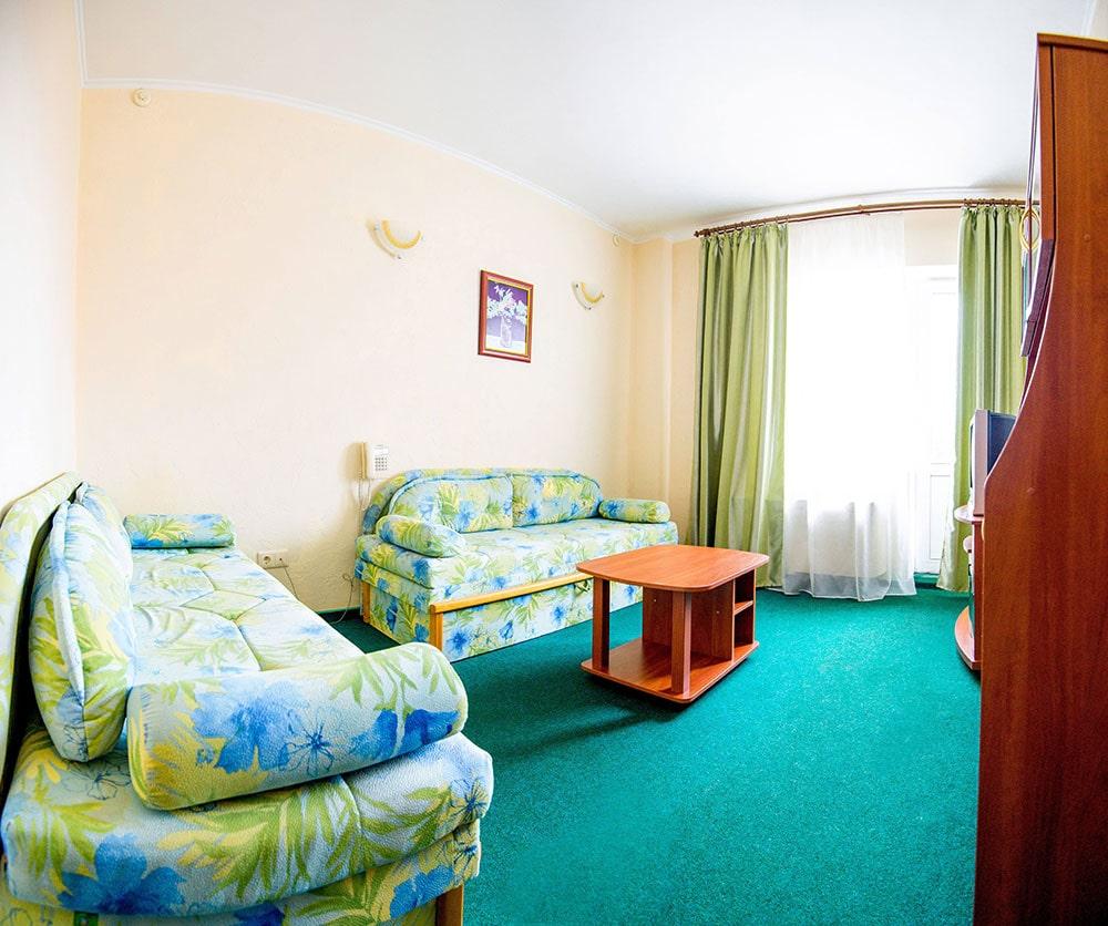 Двухкомнатный люкс 4 человека FAMILY ROOM5-min