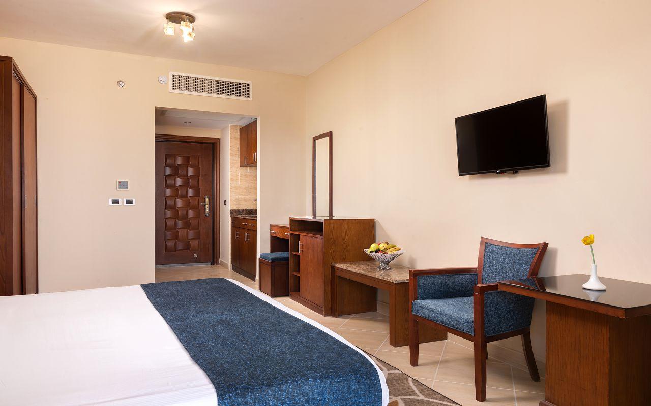 Room 2 (3)