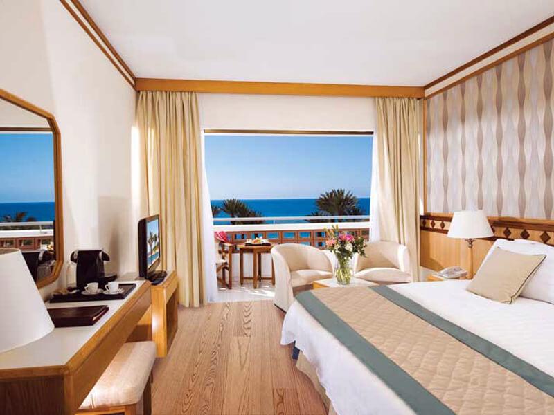 22 PIONEER BEACH HOTEL SUPERIOR ROOM SV