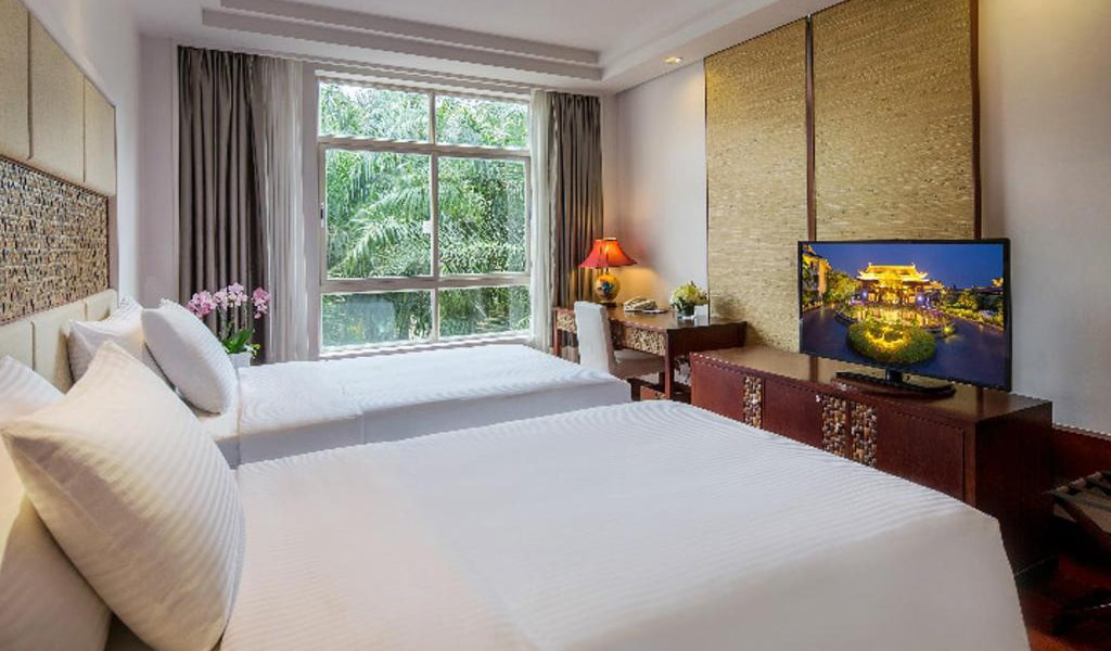 Town-House-Garden-View-Twin-bed-Room-min