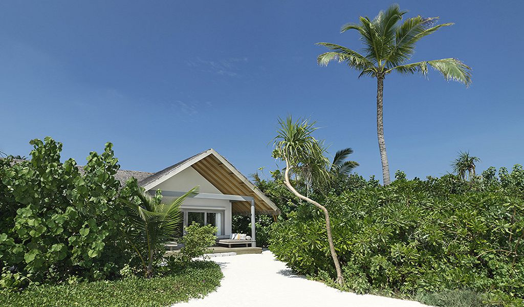 Deluxe Beach Pool Suite (1)