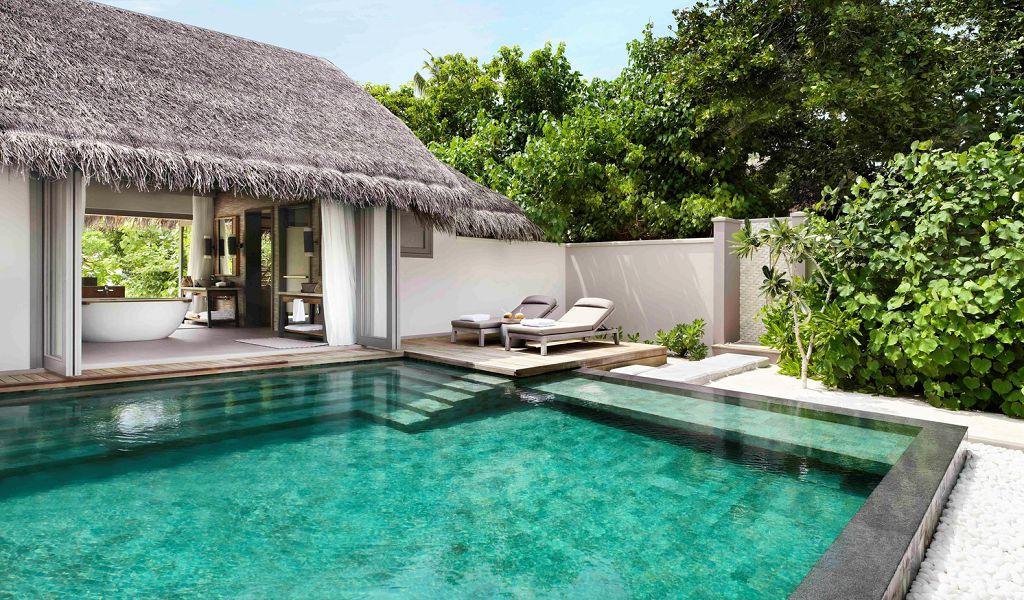 Deluxe Beach Pool Suite (2)