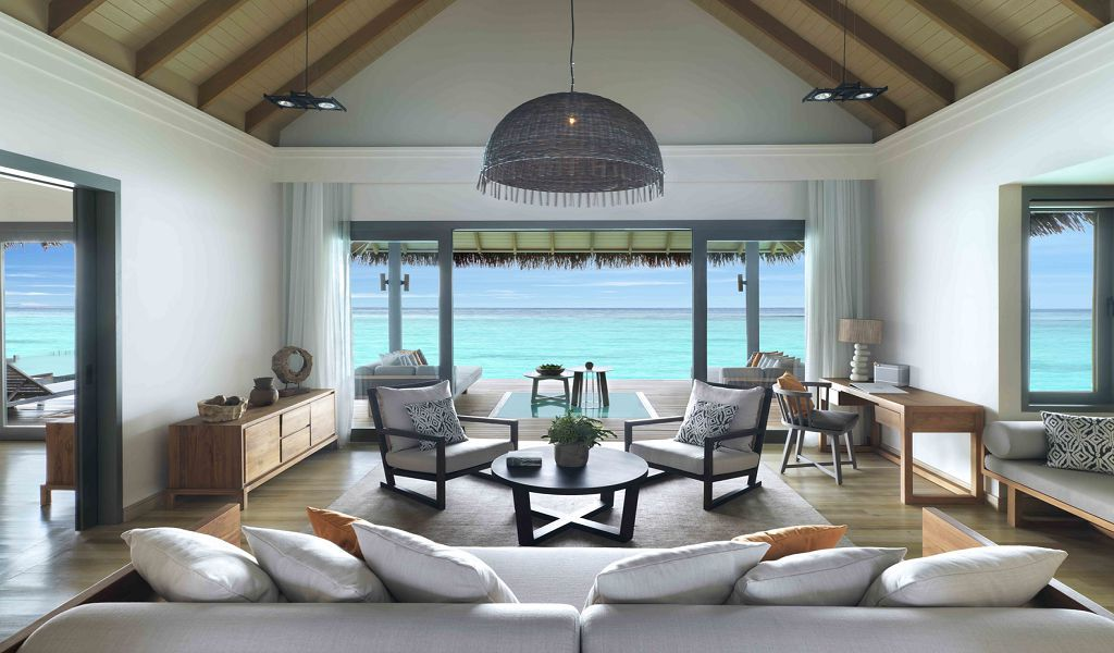 Over Water Pool Suite (1)