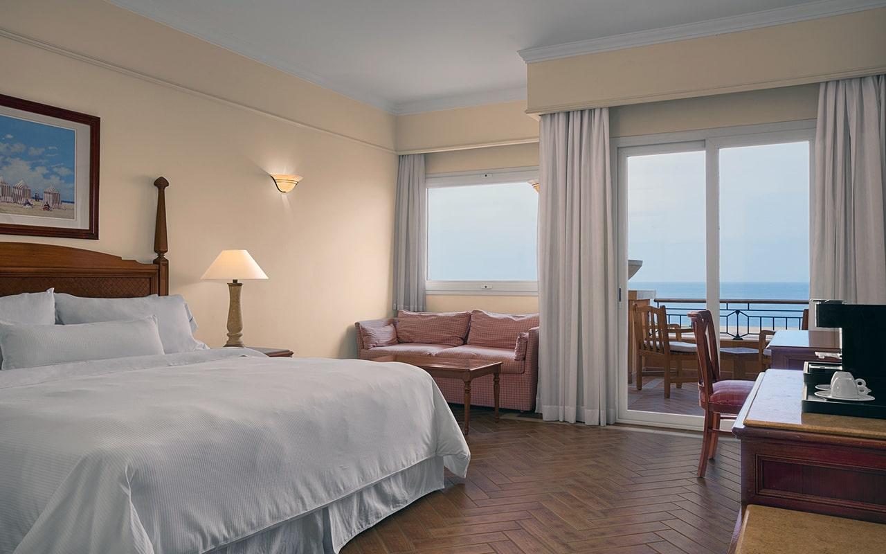 Standard Partial Sea View Room-min