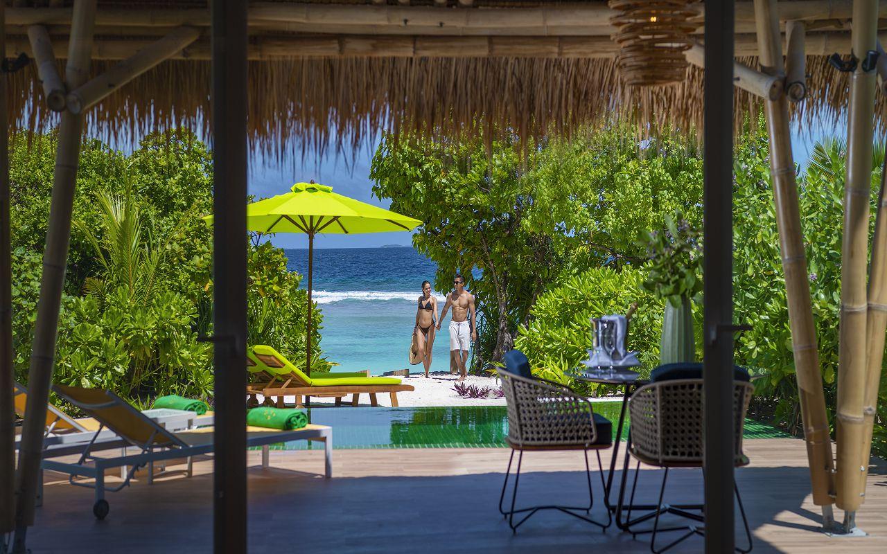 Beach villa with pool (1)