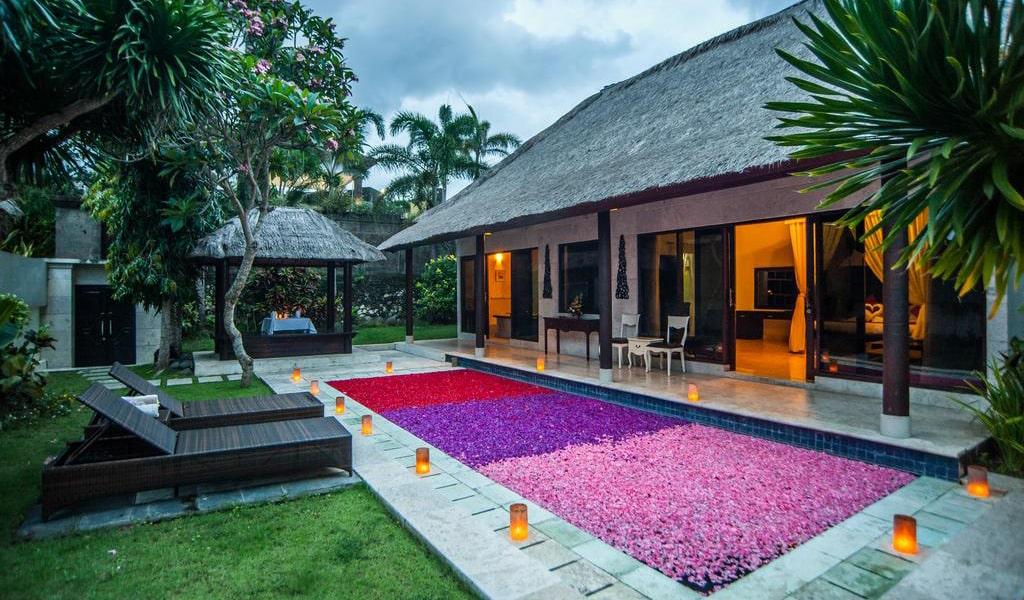 Villa with Private Pool 5-min