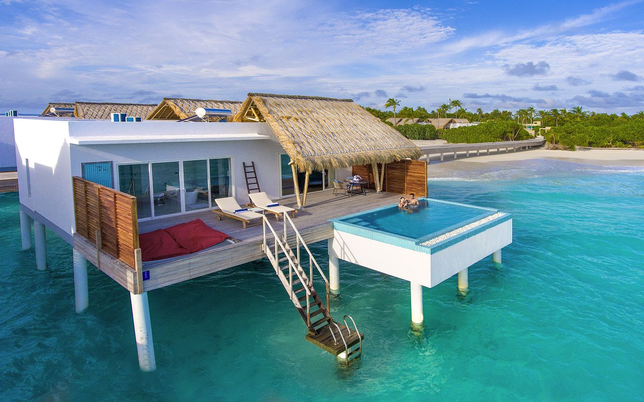 Water villa with pool (1)