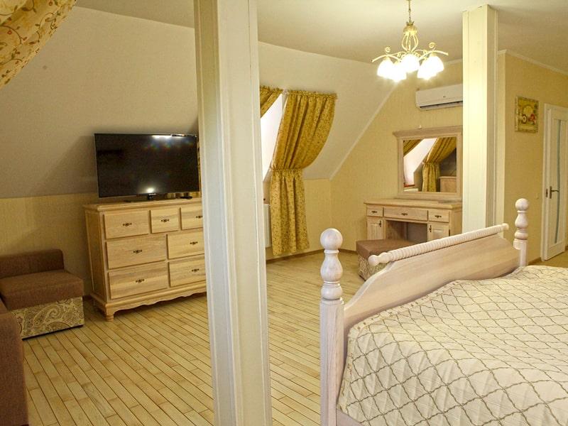 room4_3-min
