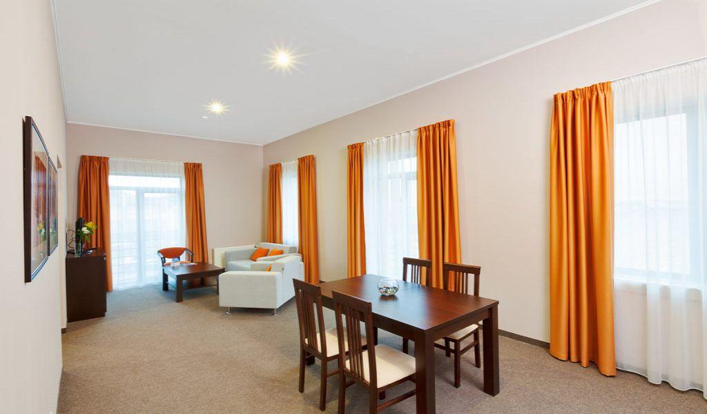 24-Room-Suite-1024x682