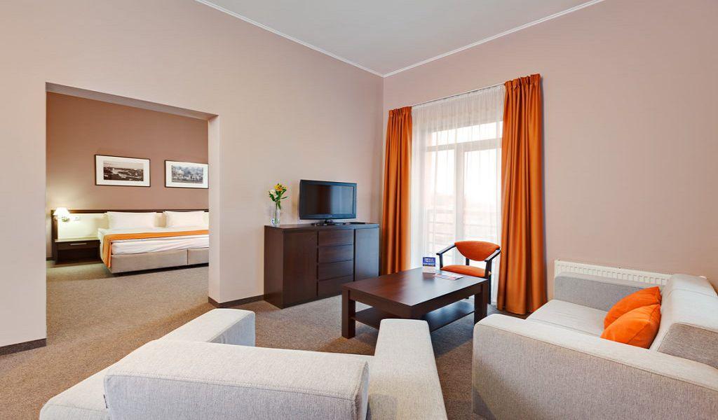 25-Room-Suite-1024x683