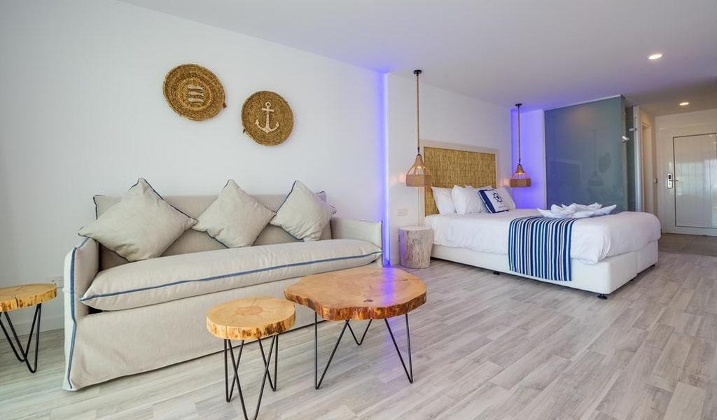 Blue Harbour Boutique Apartments Deluxe Double (1)