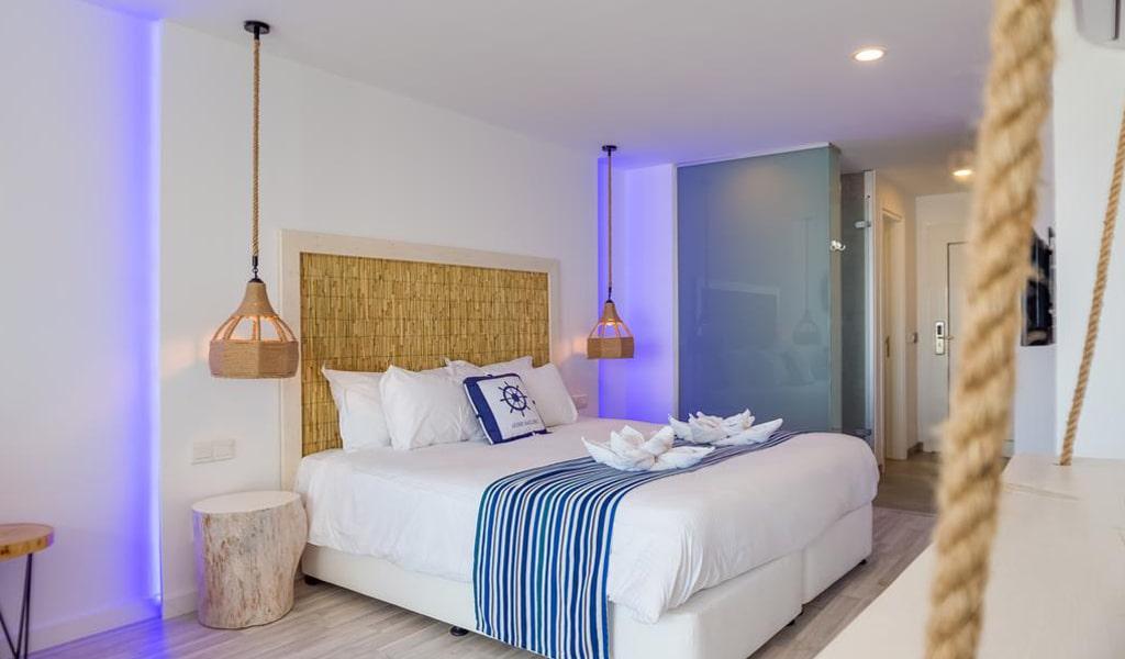 Blue Harbour Boutique Apartments Deluxe Double (2)
