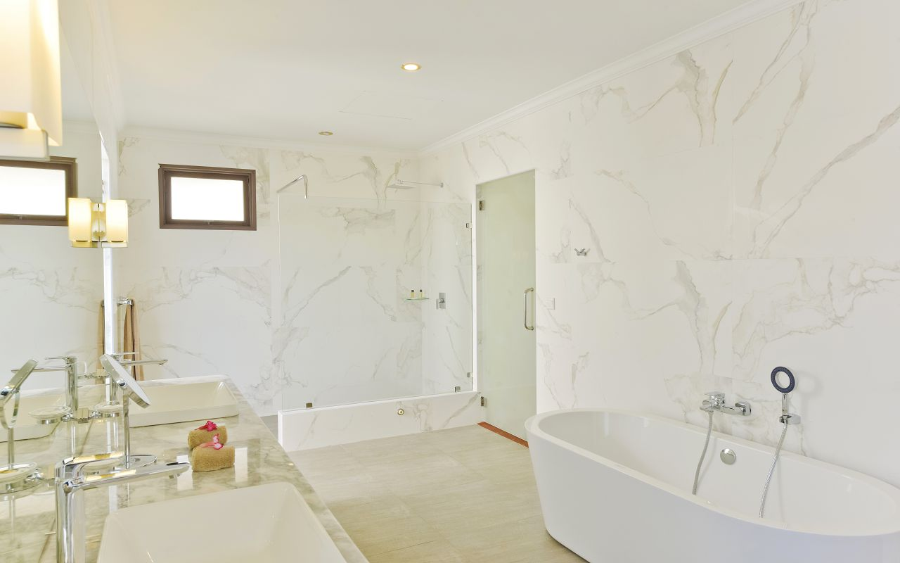 DL-HRES-Dreamland_Beach_Bungalow_Bathroom_02