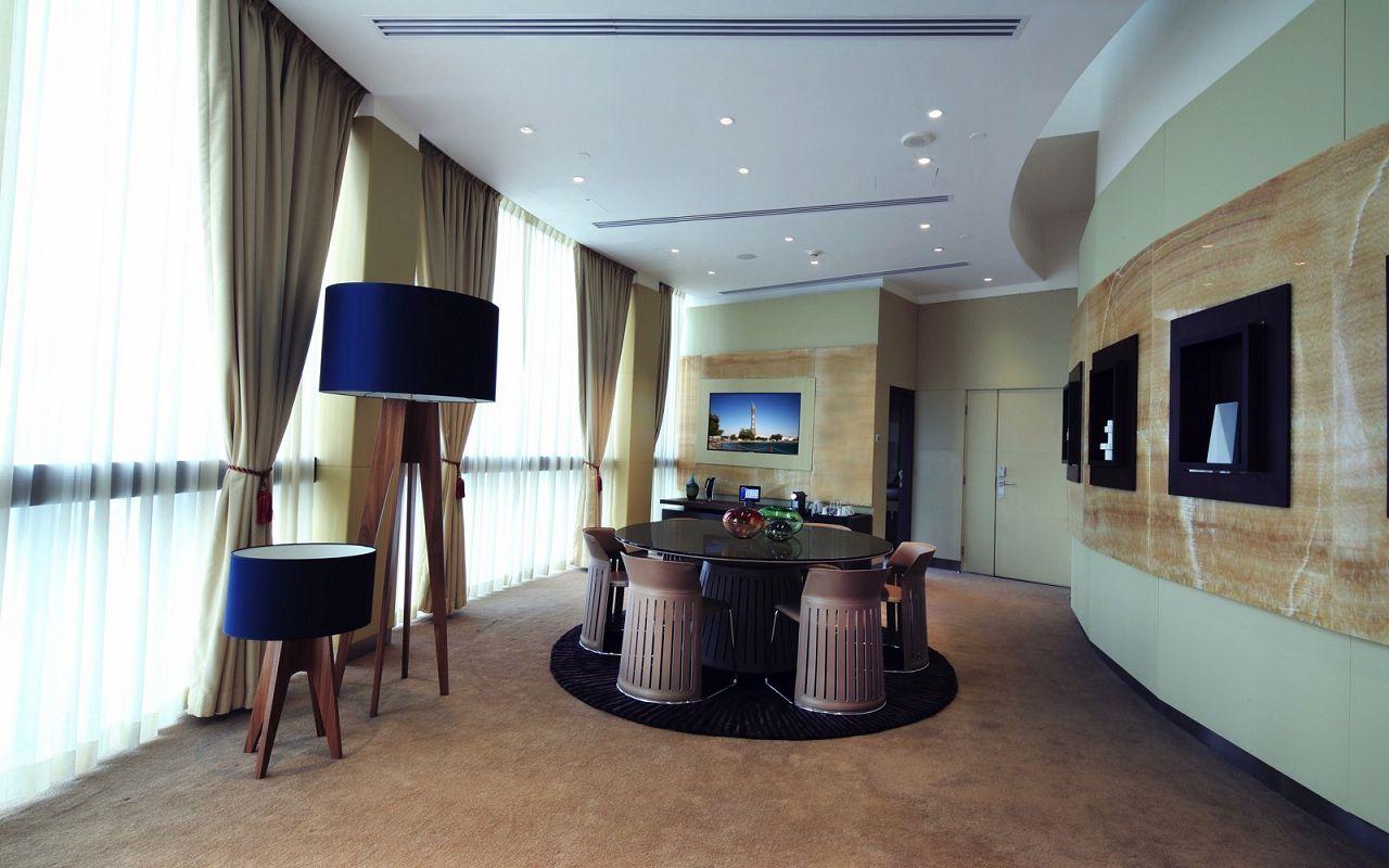 Diplomatic_dining_room-min