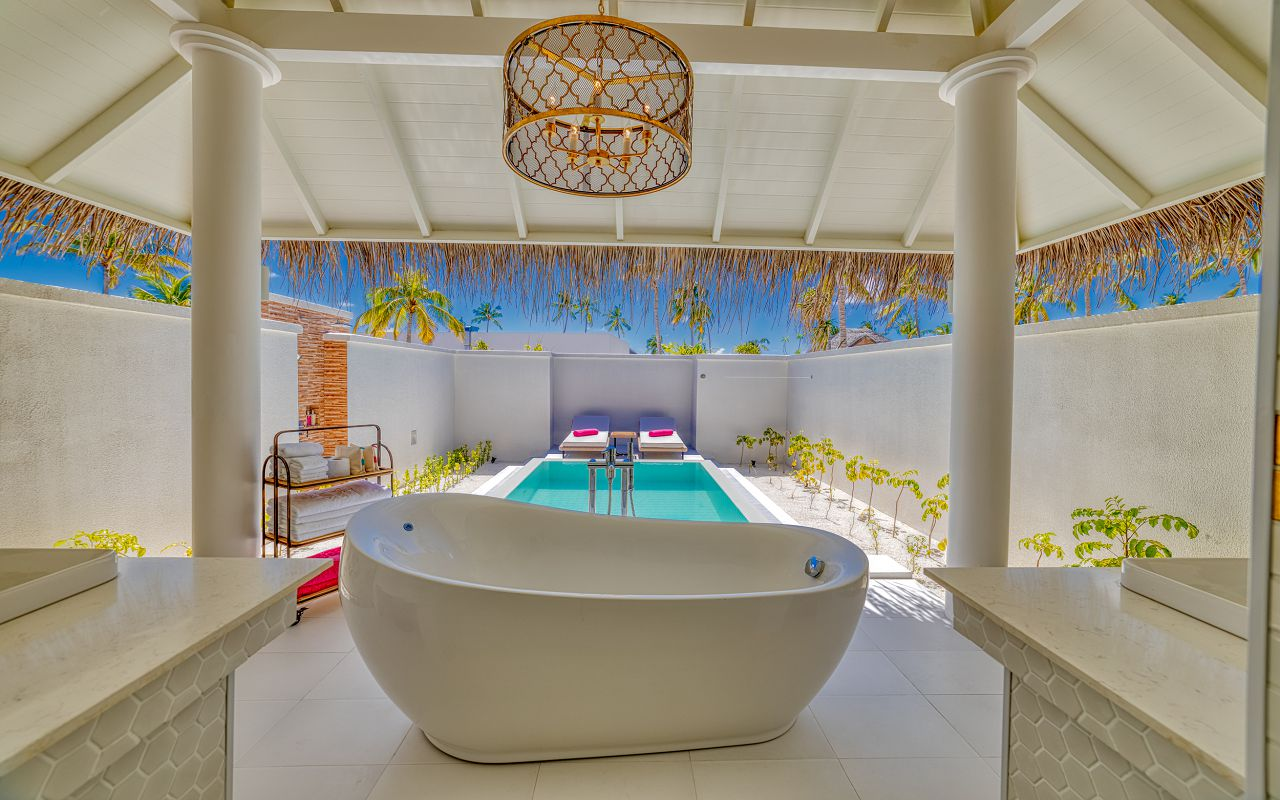 Grand Beach Suite (14)