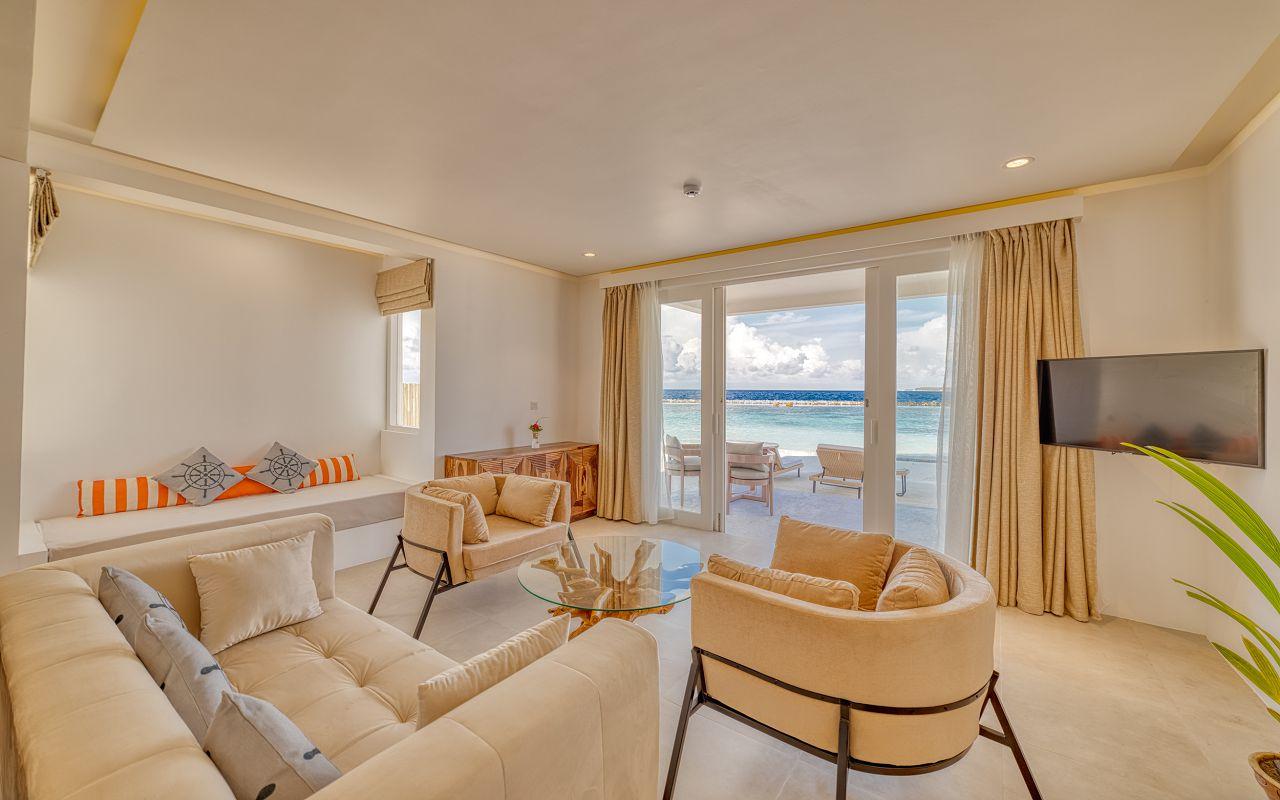 Grand Beach Suite (3)