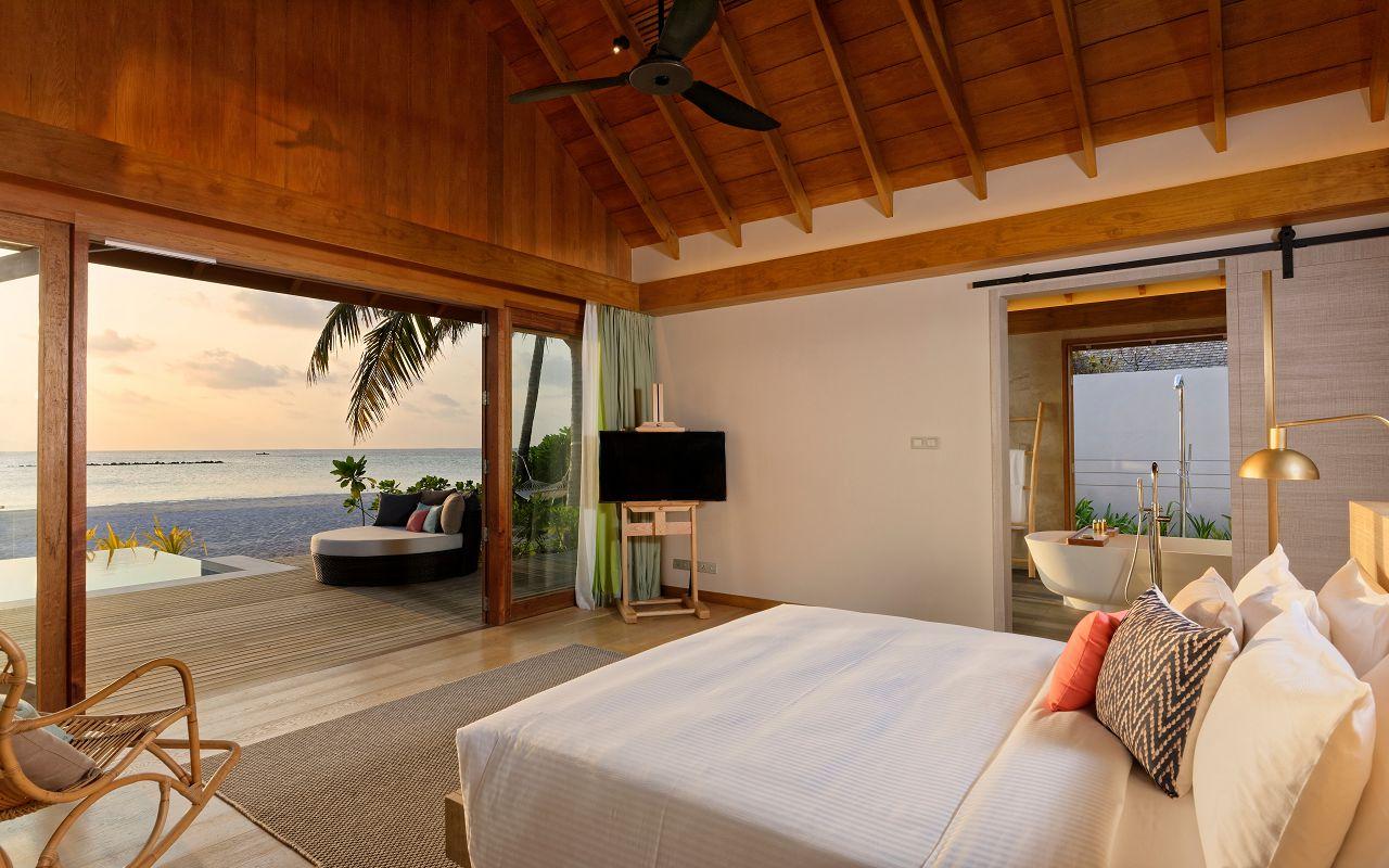 Island Residence with Pool (2)