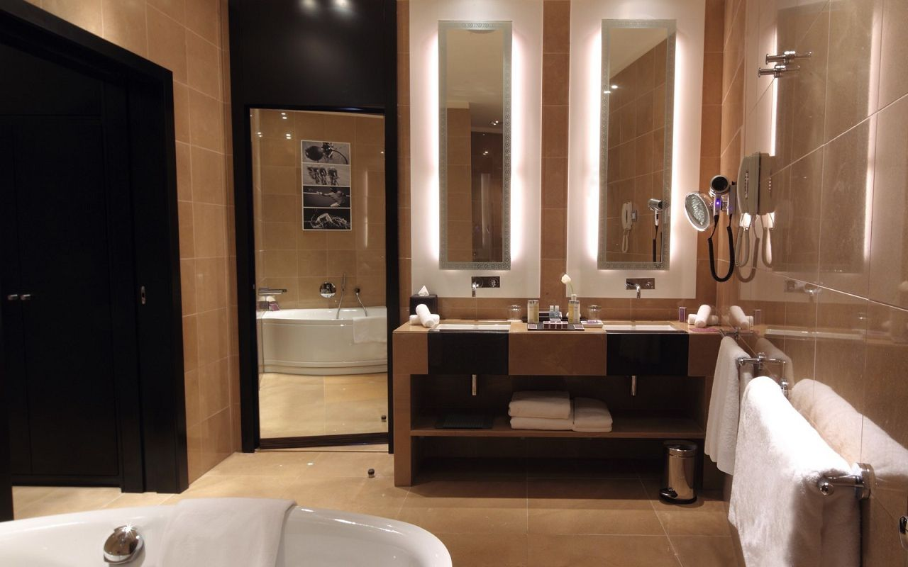 Junior_Bathroom-min