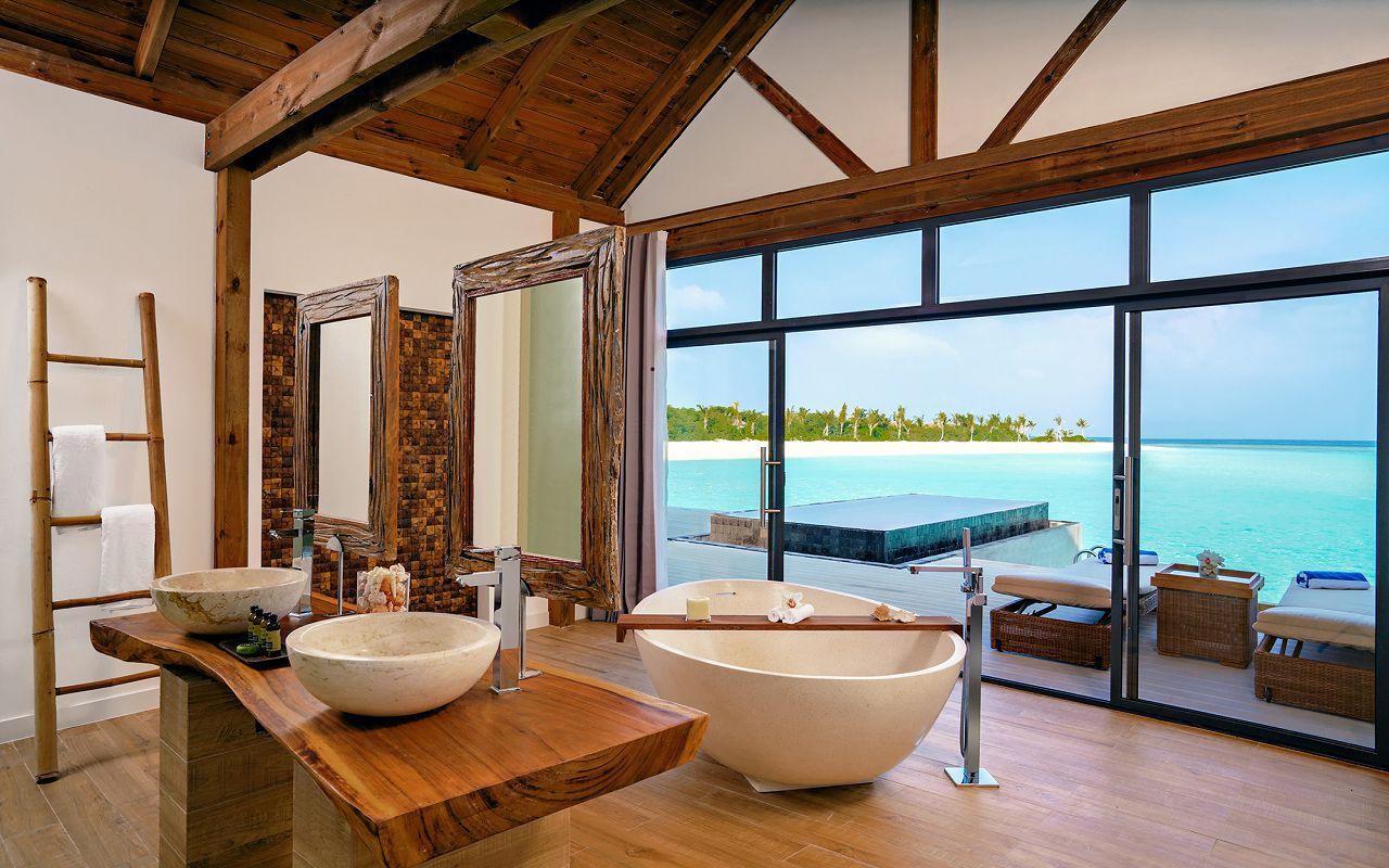 [:ru]Movenpick Resort Kuredhivaru Maldives - Overwater Villa Interior - Bathroom[:]