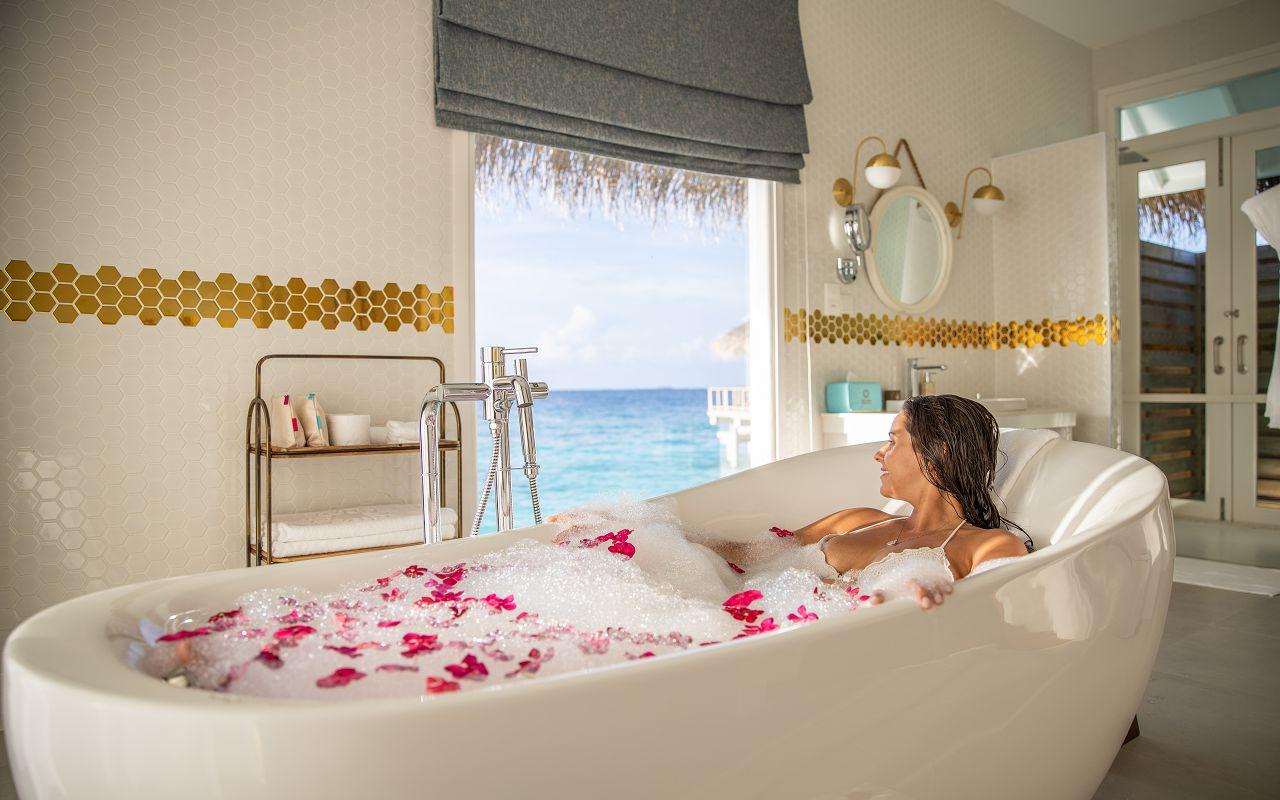 Ocean Suite with Pool (3)
