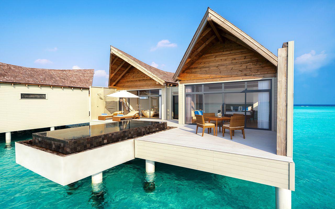 [:ru]Overwater Pool Villa Exterior Movenpick Maldives[:]