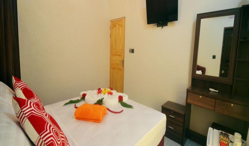 Evila Inn Thoddoo (8)