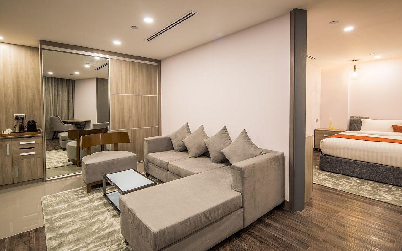 Executive Suite (13)