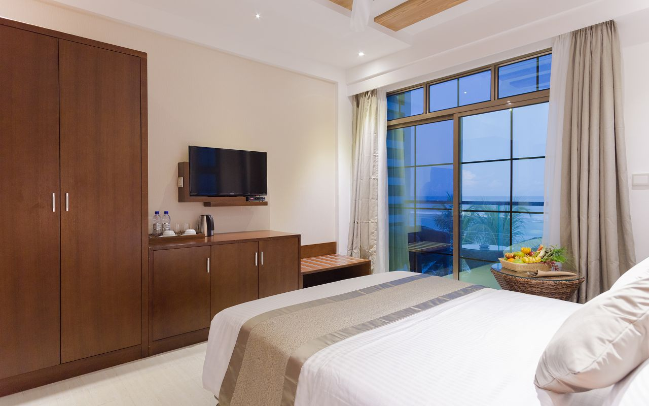 Ocean View with Private Balcony Rooms (6)