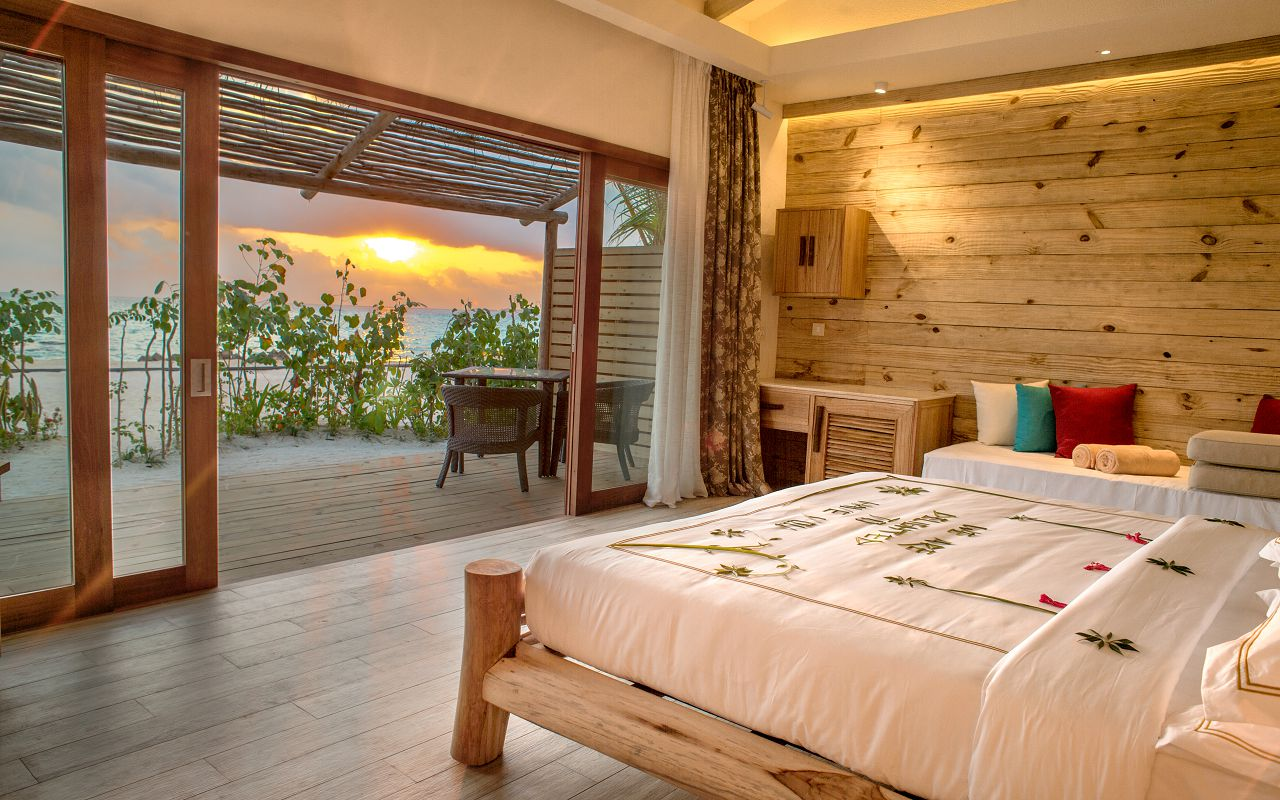 Beach Suite with Pool (12)