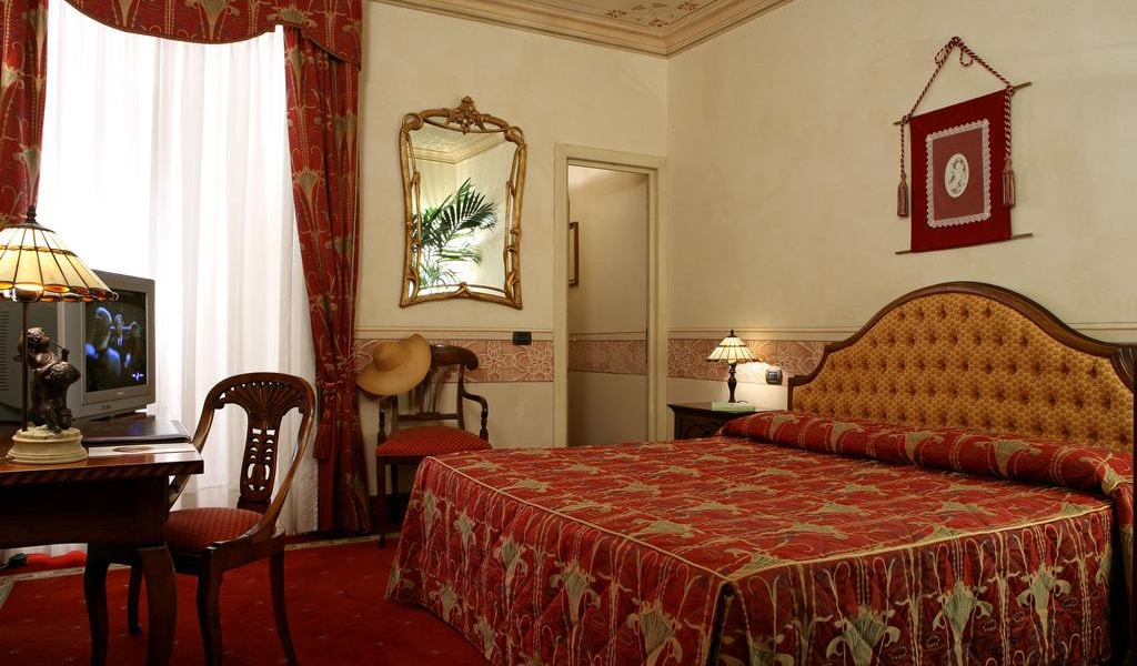 Deluxe Double or Twin Room-min