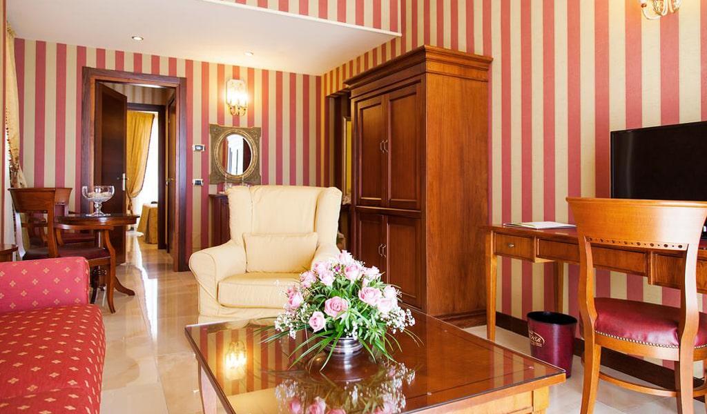 Diamond Hotel & Resort (7)