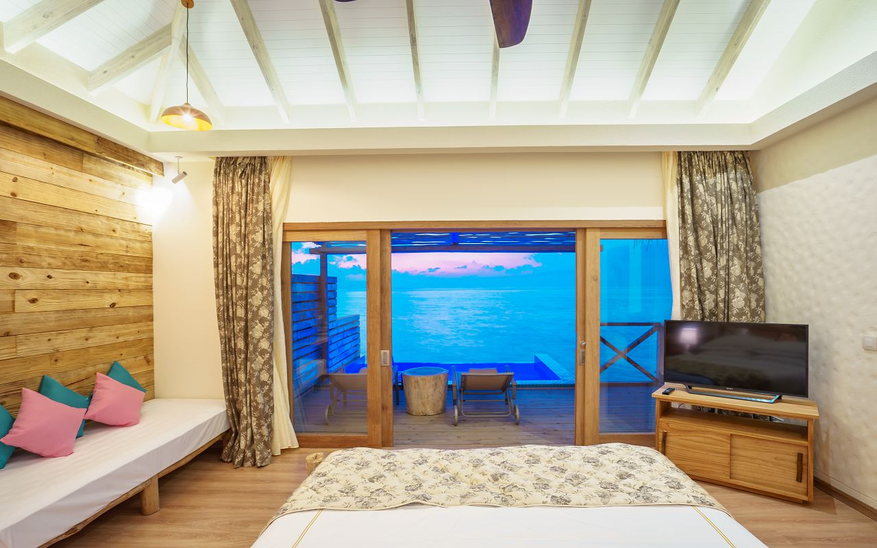 Dolphin Villa with Pool (12)