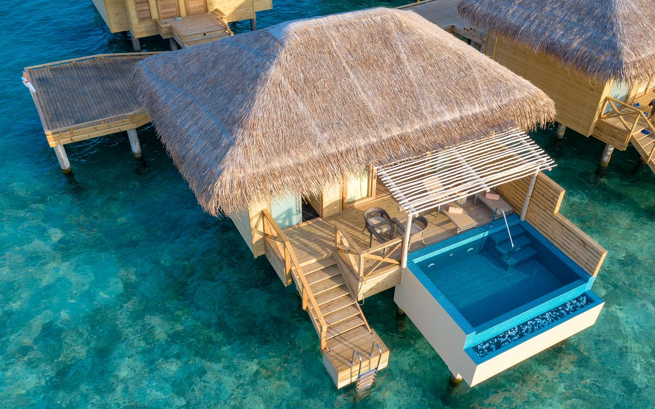 Dolphin Villa with Pool (4)